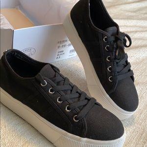 Size 8.5 Black Platform Sneakers
